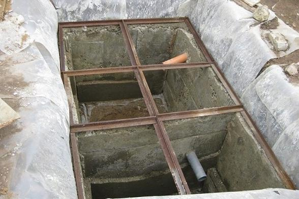 Перекрытие верхнее бетонного септика
