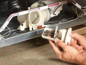 Иногда фильтр можно вынуть, лишь разобрав агрегат