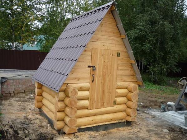 Теплый домик для колодца