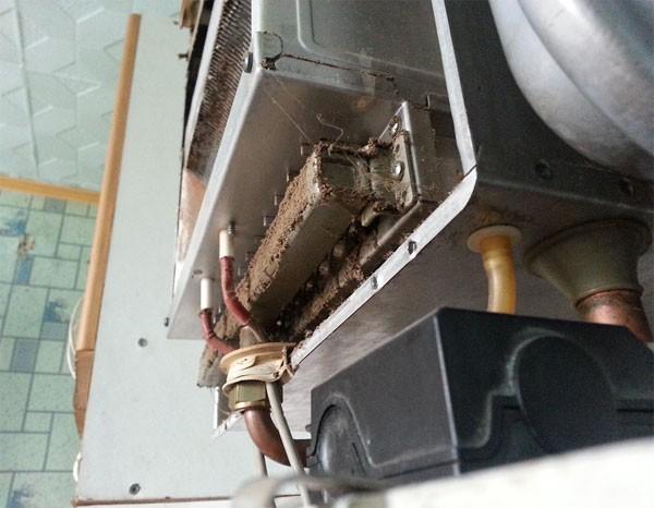Грязь на поверхности агрегата