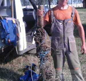 Спутанный кабель погружного насоса